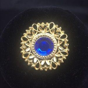 Vintage Pin / Brooch 💙